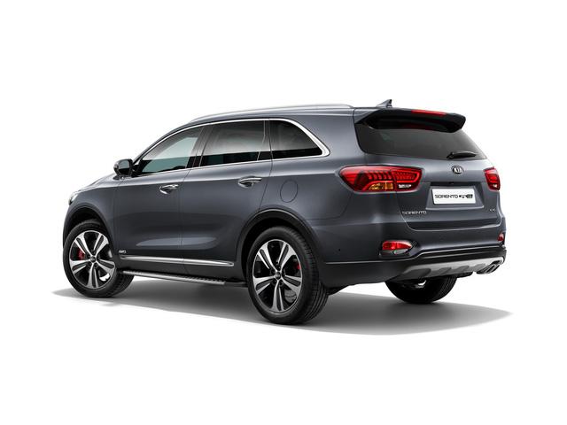 SUV cỡ trung Kia Sorento 2018 phiên bản châu Âu được vén màn - Ảnh 1.