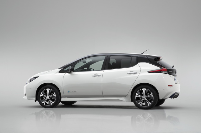 Nissan Leaf 2018 ra mắt với công nghệ nhiều như mây - Ảnh 9.