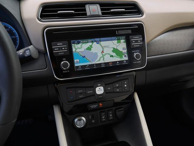 Nissan Leaf 2018 ra mắt với công nghệ nhiều như mây - Ảnh 18.