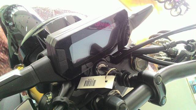 Naked bike khiến người Việt phát thèm Honda CB150R ExMotion đã xuất hiện tại đại lý - Ảnh 4.