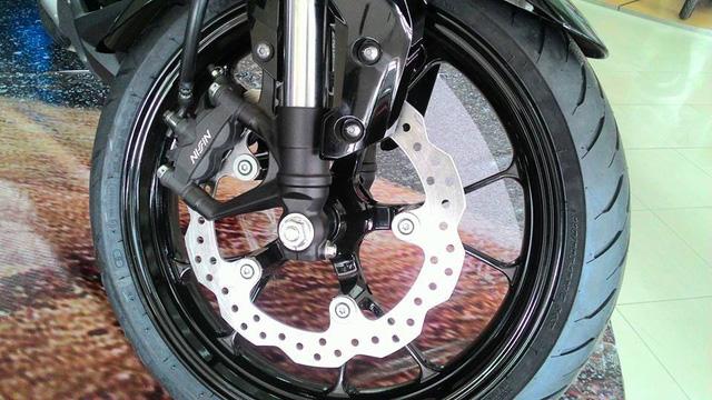 Naked bike khiến người Việt phát thèm Honda CB150R ExMotion đã xuất hiện tại đại lý - Ảnh 9.