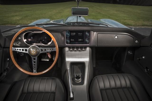 Jaguar E-Type Zero: Khi huyền thoại được hồi sinh với công nghệ của thời đại mới - Ảnh 5.