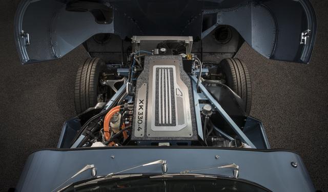 Jaguar E-Type Zero: Khi huyền thoại được hồi sinh với công nghệ của thời đại mới - Ảnh 7.