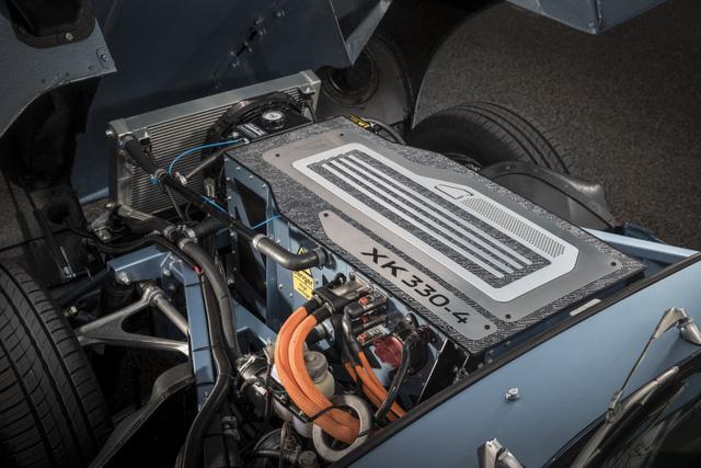 Jaguar E-Type Zero: Khi huyền thoại được hồi sinh với công nghệ của thời đại mới - Ảnh 8.