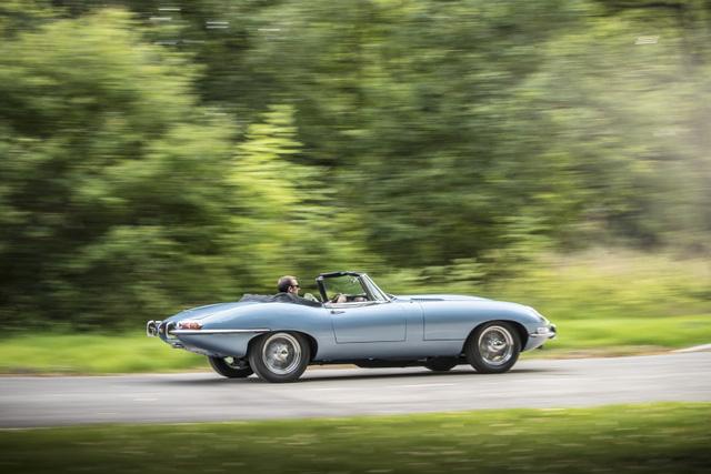 Jaguar E-Type Zero: Khi huyền thoại được hồi sinh với công nghệ của thời đại mới - Ảnh 9.