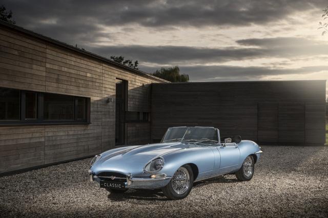 Jaguar E-Type Zero: Khi huyền thoại được hồi sinh với công nghệ của thời đại mới - Ảnh 10.