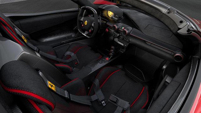 Siêu xe Ferrari LaFerrari Aperta cuối cùng xuất xưởng có giá choáng váng 227 tỷ Đồng - Ảnh 3.