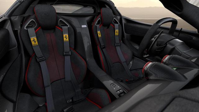 Siêu xe Ferrari LaFerrari Aperta cuối cùng xuất xưởng có giá choáng váng 227 tỷ Đồng - Ảnh 4.