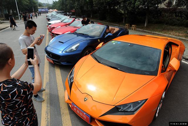 Trường Cao đẳng gây choáng khi mua dàn siêu xe và xe sang 35 tỷ Đồng cho sinh viên thực hành - Ảnh 2.