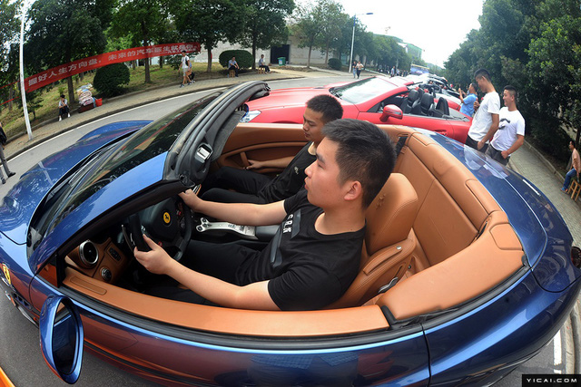 Trường Cao đẳng gây choáng khi mua dàn siêu xe và xe sang 35 tỷ Đồng cho sinh viên thực hành - Ảnh 4.