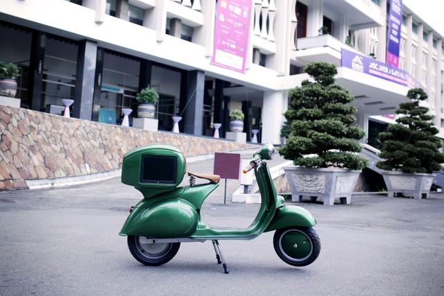 Xe máy điện có kiểu dáng giống Vespa cổ khiến cư dân mạng Việt tò mò - Ảnh 4.