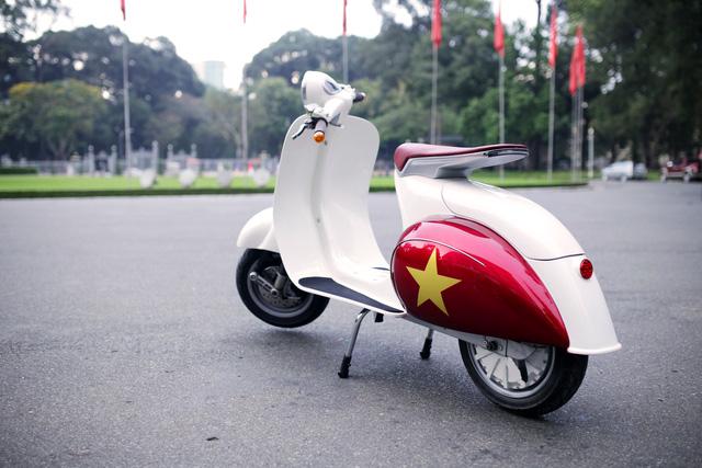 Xe máy điện có kiểu dáng giống Vespa cổ khiến cư dân mạng Việt tò mò - Ảnh 5.