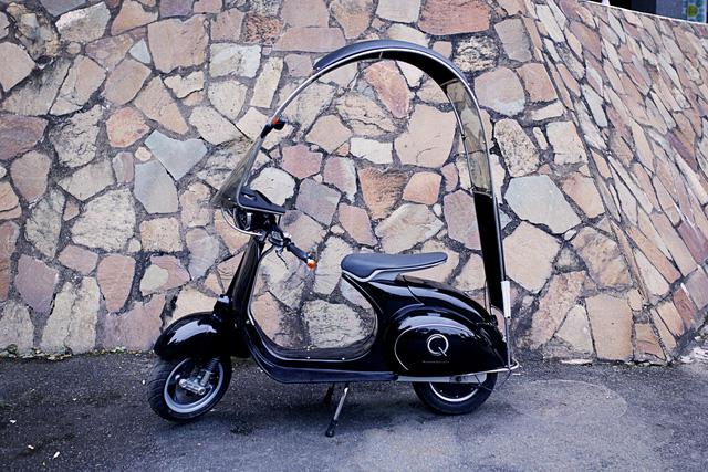 Xe máy điện có kiểu dáng giống Vespa cổ khiến cư dân mạng Việt tò mò - Ảnh 7.