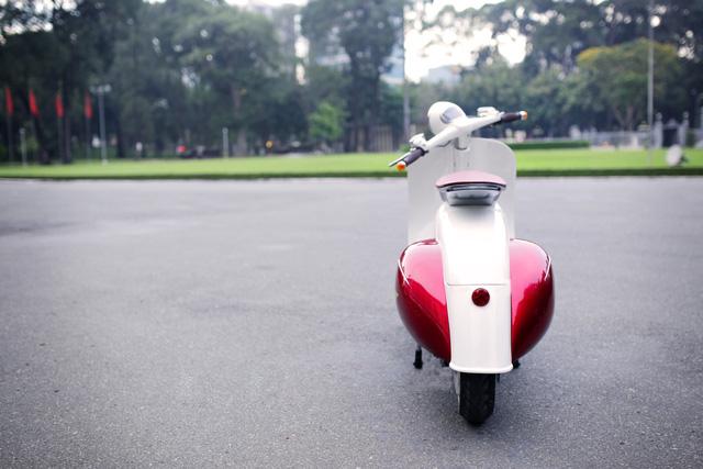 Xe máy điện có kiểu dáng giống Vespa cổ khiến cư dân mạng Việt tò mò - Ảnh 9.