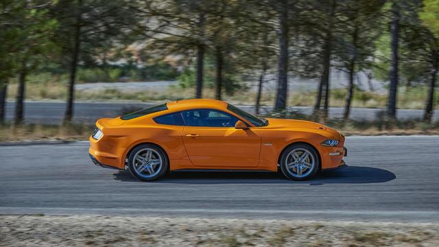 Ngựa hoang Ford Mustang 2018 đặt vó đến lục địa già - Ảnh 2.