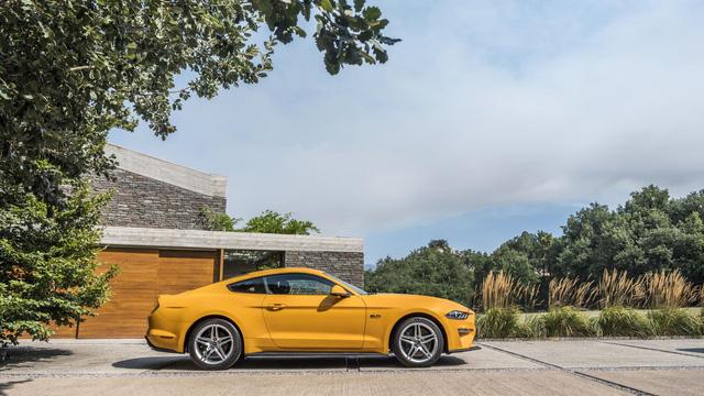 Ngựa hoang Ford Mustang 2018 đặt vó đến lục địa già - Ảnh 10.