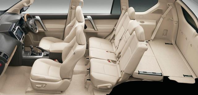 Toyota chính thức vén màn SUV được mong chờ Land Cruiser Prado 2018 - Ảnh 10.