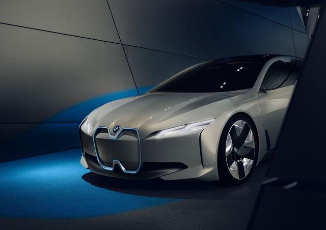 BMW ra mắt i Vision Dynamics hoàn toàn mới, không phải là i5 trong truyền thuyết - Ảnh 4.
