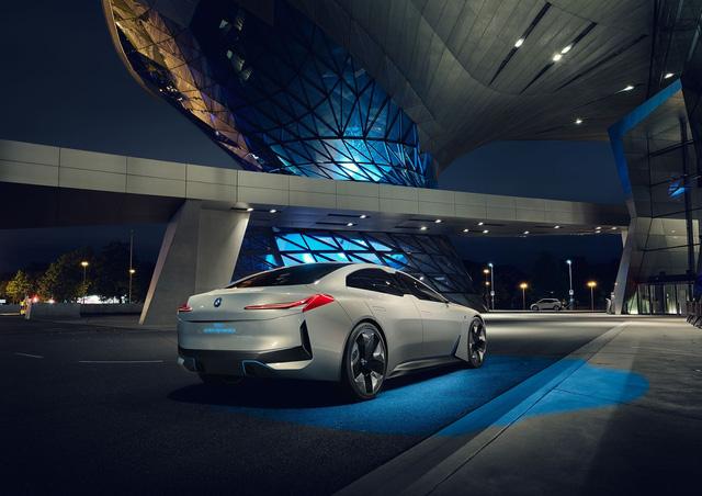BMW ra mắt i Vision Dynamics hoàn toàn mới, không phải là i5 trong truyền thuyết - Ảnh 11.