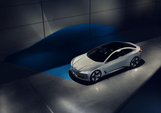 BMW ra mắt i Vision Dynamics hoàn toàn mới, không phải là i5 trong truyền thuyết - Ảnh 9.