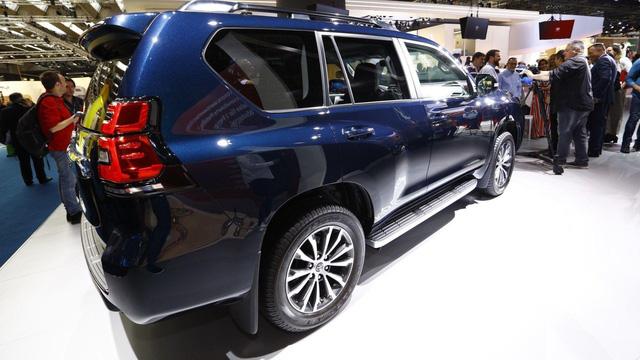 Ngắm hình ảnh bằng xương, bằng thịt của Toyota Land Cruiser Prado 2018 sẽ về Việt Nam - Ảnh 8.