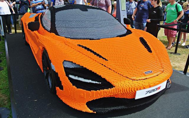 Hoàng tử Anh thích thú khi chạm mặt chiếc McLaren 720S làm bằng hơn 200.000 miếng lego - Ảnh 5.