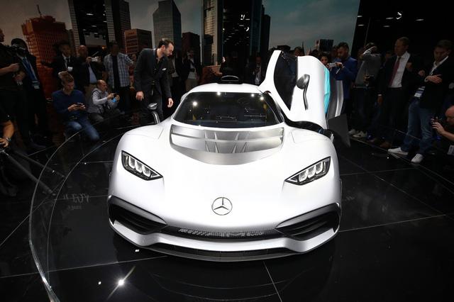 Vẻ đẹp xuất sắc của xe đua Công thức 1 đường phố Mercedes-AMG Project One ngoài đời thực - Ảnh 8.
