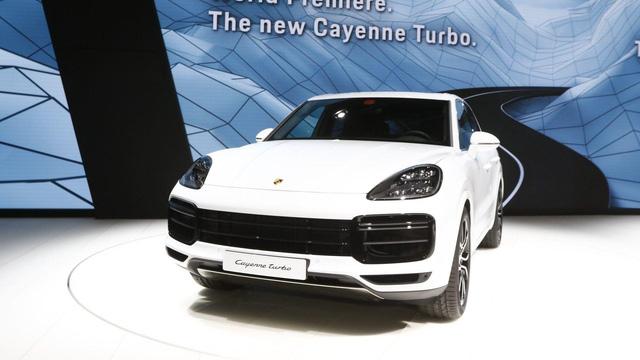 Chưa được bày bán, Porsche Cayenne Turbo 2018 đã lộ giá - Ảnh 1.
