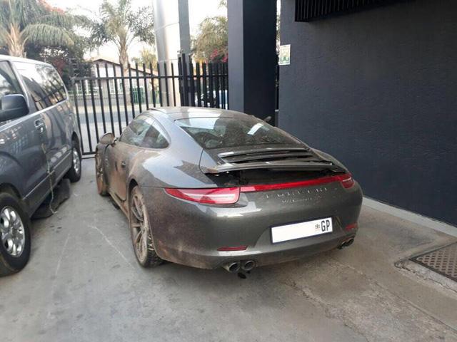 Cư dân mạng xót xa khi xem ảnh chiếc Porsche 911 Carrera 4S bị thiếu gia 22 tuổi phá nát - Ảnh 2.