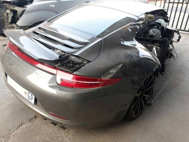 Cư dân mạng xót xa khi xem ảnh chiếc Porsche 911 Carrera 4S bị thiếu gia 22 tuổi phá nát - Ảnh 3.