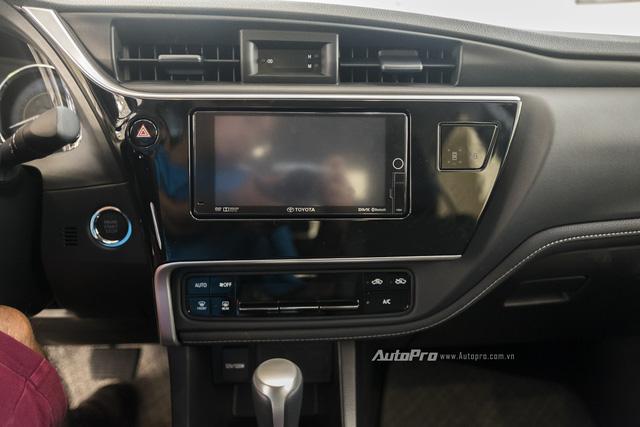 Đắt hơn Mazda3 166 triệu, Toyota Altis 2.0V Sport có gì để cạnh tranh? - Ảnh 13.