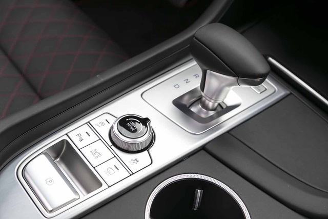 Đây là diện mạo bằng xương, bằng thịt của sedan thể thao Genesis G70 mới ra mắt - Ảnh 18.