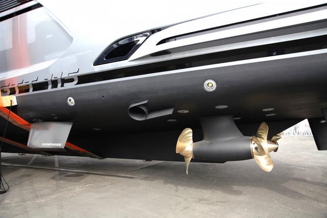 Cận cảnh siêu du thuyền mới hạ thủy trị giá 380 tỷ Đồng của Porsche - Ảnh 9.