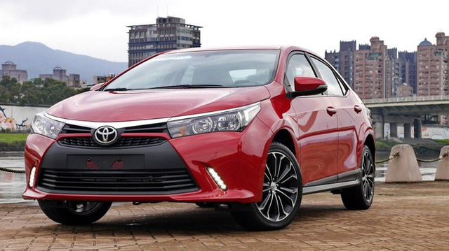 Diện kiến Toyota Corolla Altis 2017 với thiết kế khác xe mới ra mắt Việt Nam - Ảnh 5.