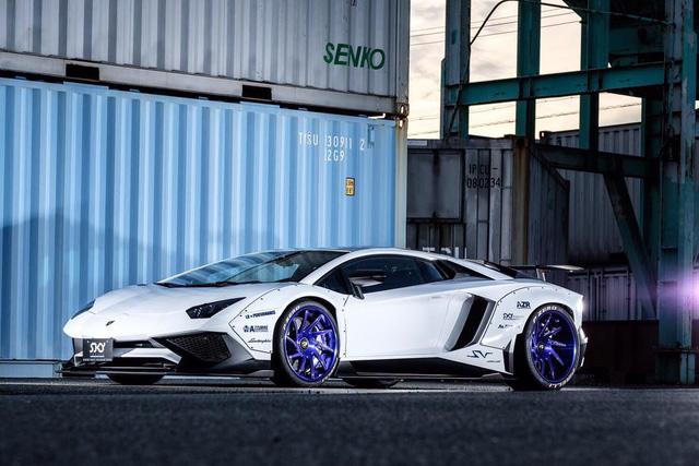 Gói độ thân rộng của Liberty Walk đưa Lamborghini Aventador SV lên một tầm cao mới - Ảnh 1.