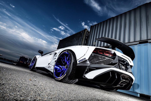 Gói độ thân rộng của Liberty Walk đưa Lamborghini Aventador SV lên một tầm cao mới - Ảnh 6.