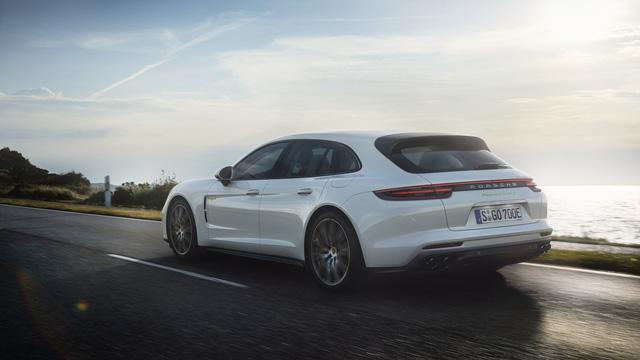 Porsche vén màn phiên bản chỉ tiêu thụ 3 lít xăng/100 km của Panamera 2017 - Ảnh 2.