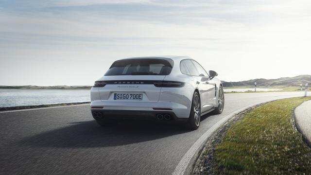Porsche vén màn phiên bản chỉ tiêu thụ 3 lít xăng/100 km của Panamera 2017 - Ảnh 3.