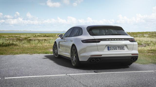 Porsche vén màn phiên bản chỉ tiêu thụ 3 lít xăng/100 km của Panamera 2017 - Ảnh 7.