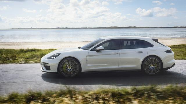 Porsche vén màn phiên bản chỉ tiêu thụ 3 lít xăng/100 km của Panamera 2017 - Ảnh 6.