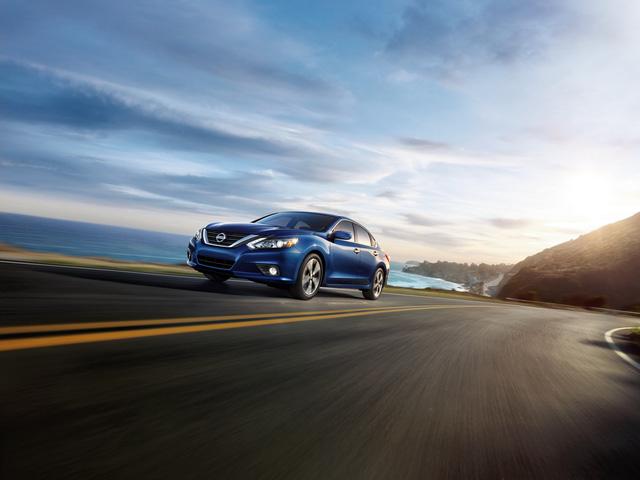 Nissan Teana phiên bản Mỹ được trang bị tốt hơn để cạnh tranh Toyota Camry và Honda Accord - Ảnh 1.