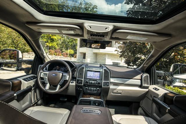 Ford F-Series Super Duty Limited - Limousine của dòng xe bán tải cỡ lớn - Ảnh 11.