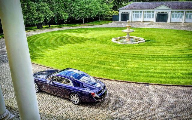 Phát thèm với bộ sưu tập siêu xe khủng của đại gia bí ẩn đặt mua Rolls-Royce Sweptail 13 triệu USD - Ảnh 12.
