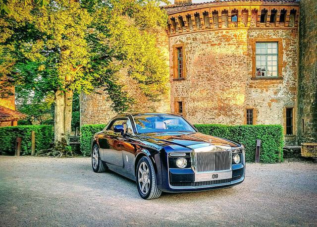 Phát thèm với bộ sưu tập siêu xe khủng của đại gia bí ẩn đặt mua Rolls-Royce Sweptail 13 triệu USD - Ảnh 13.