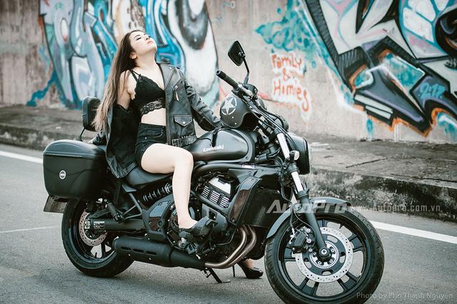 Cô nàng lả lơi bên Honda CBR600 - Ảnh 12.