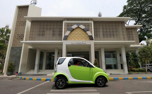 Trong khi người Việt đang ngóng chờ xe Vinfast thì một trường ở Indonesia đã phát triển được ô tô giá 6.000 USD - Ảnh 3.