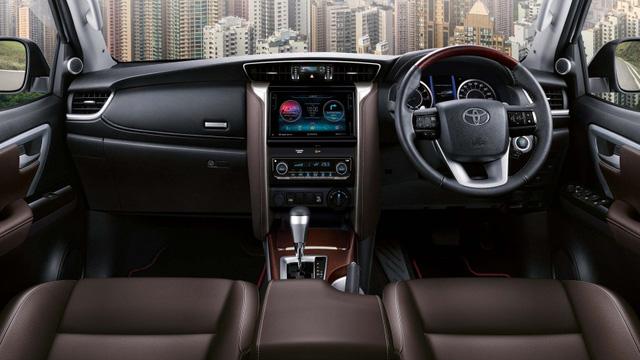 Toyota Fortuner 2017 máy dầu có thêm 2 bản trang bị mới, giá từ 995 triệu Đồng - Ảnh 3.