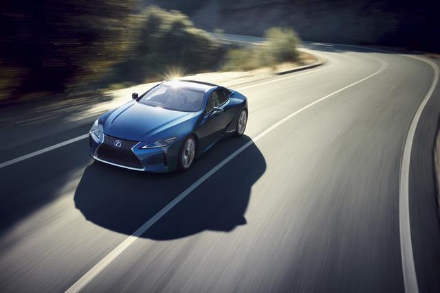 Lexus LC 2018 mang màu sơn đặc biệt được phát triển trong suốt 15 năm - Ảnh 2.