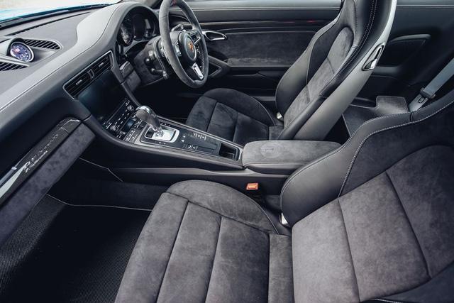 911 GTS British Legends Edition - Xe tôn vinh những chiến thắng lịch sử của Porsche - Ảnh 7.