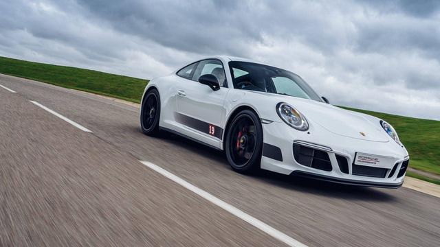 911 GTS British Legends Edition - Xe tôn vinh những chiến thắng lịch sử của Porsche - Ảnh 11.